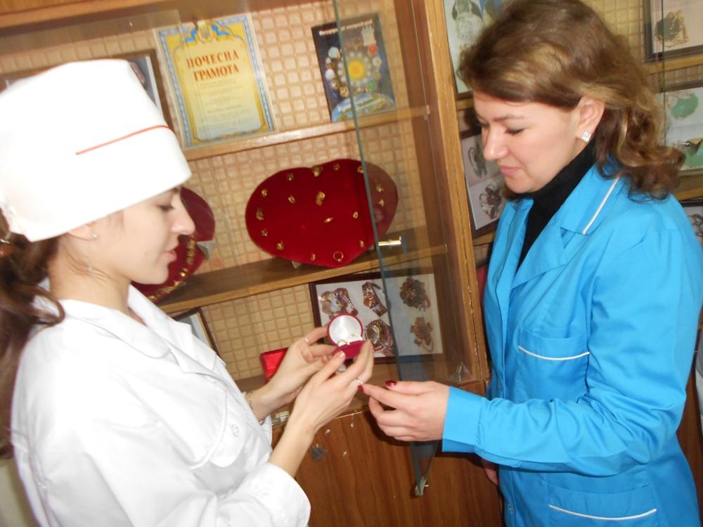 Заняття гуртка «Золоте кільце» при кабінеті ювелірної справи веде викладач Лисун Ольга Анатоліївна