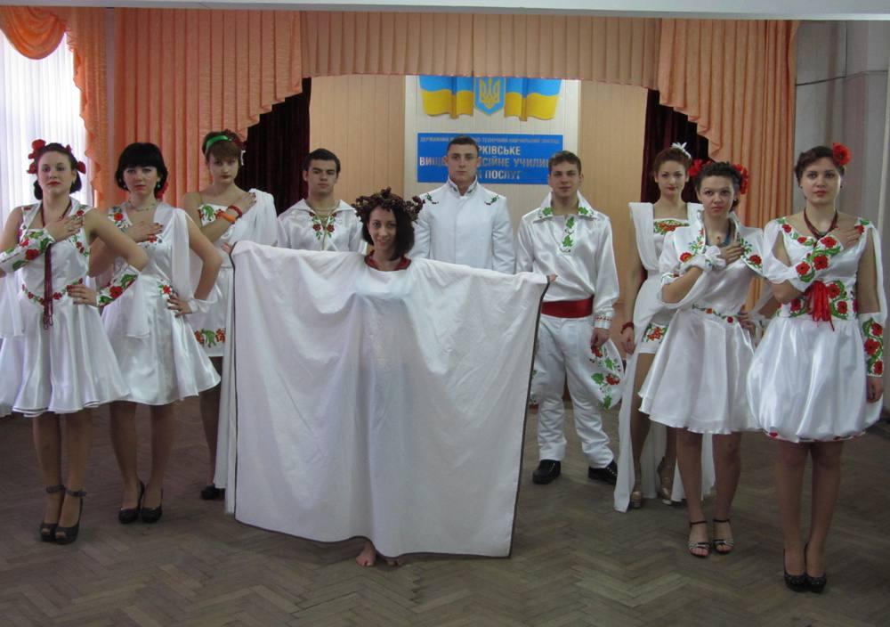 Театр мод «Шарм» з колекцією одягу «Біла птаха»