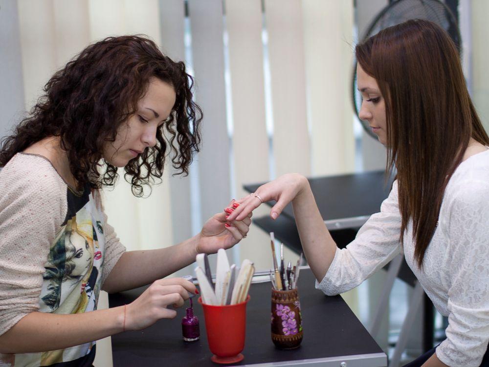 Виробнича практика учнів професії «Манікюрник» у школі-студії краси і медичної естетики «Nefertiti»