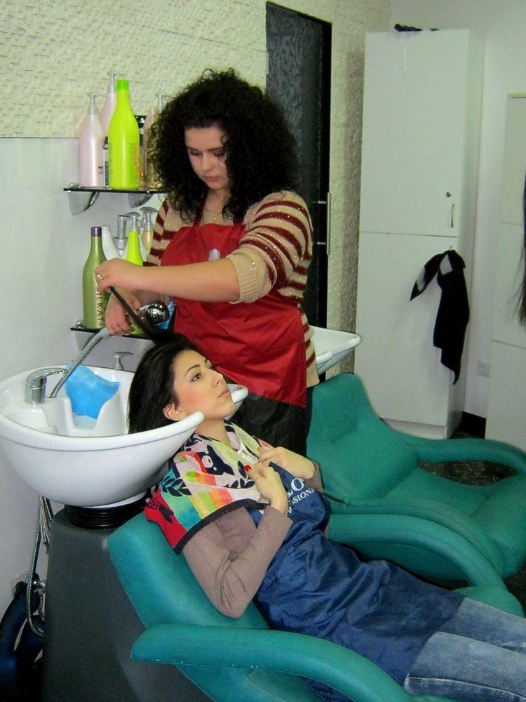 Виробнича практика учнів професії «Перукар» у школі-студії краси і медичної естетики «Nefertiti»  (5)