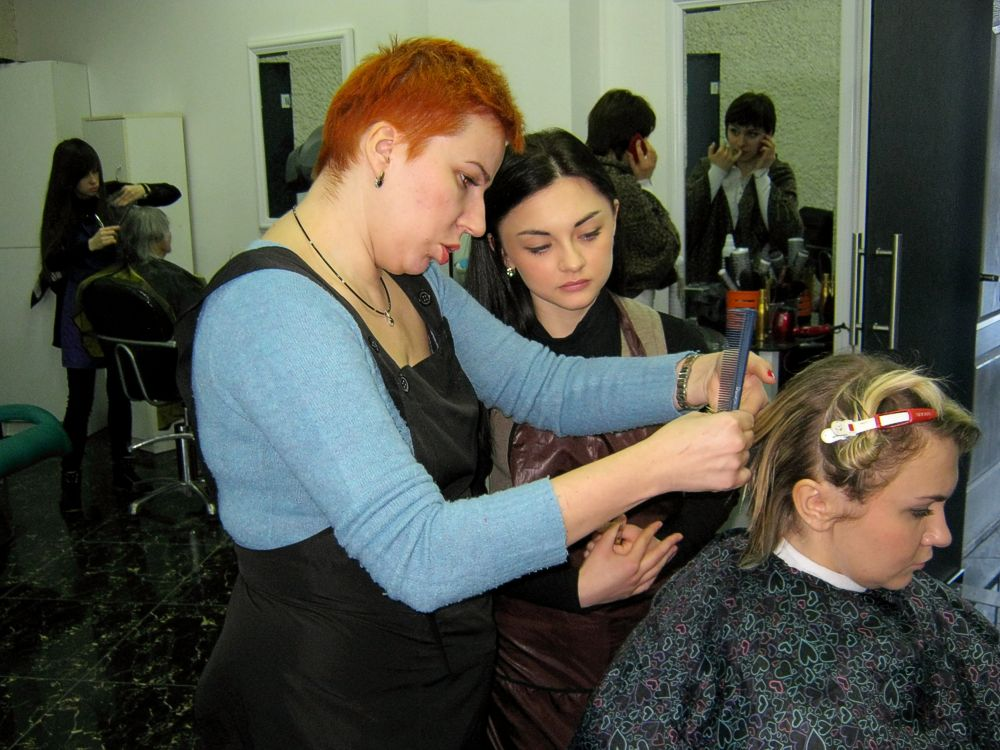 Виробнича практика учнів професії «Перукар» у школі-студії краси і медичної естетики «Nefertiti»  (6)