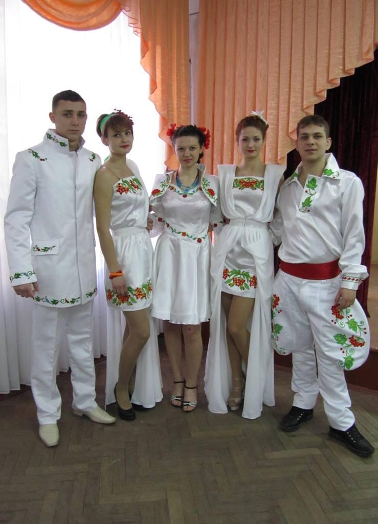 Колекція одягу у фольклорному стилі «Біла птаха» (1)