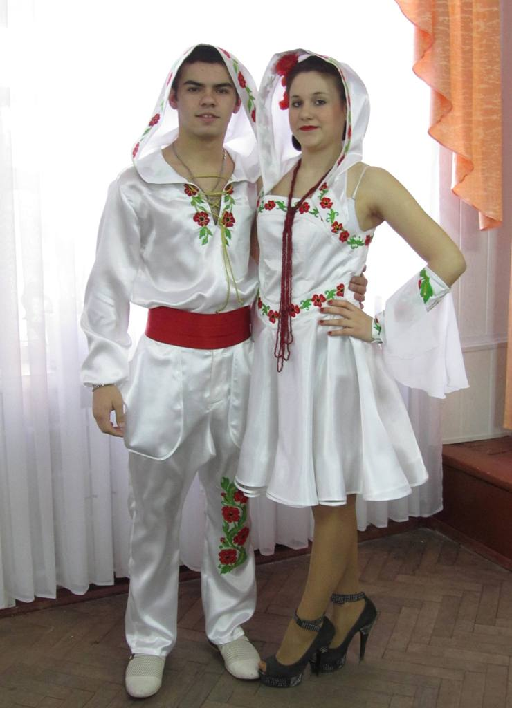 Колекція одягу у фольклорному стилі «Біла птаха» (2)