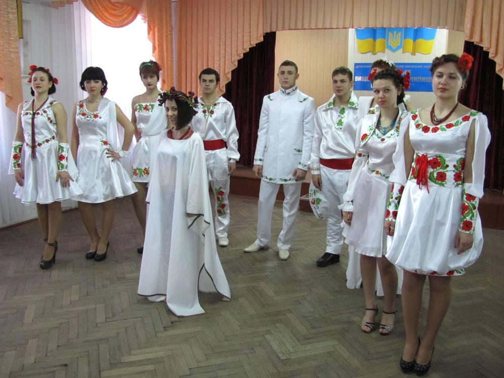 Колекція одягу у фольклорному стилі «Біла птаха»