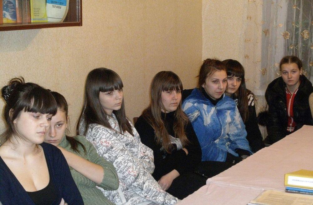 Бібліотечний урок «Чорнобиль - біль душі людської» в ХВПУ СП (2)