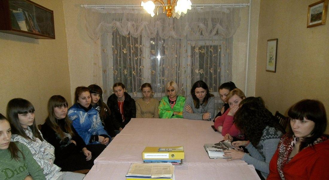 Бібліотечний урок «Чорнобиль - біль душі людської» в ХВПУ СП (3)