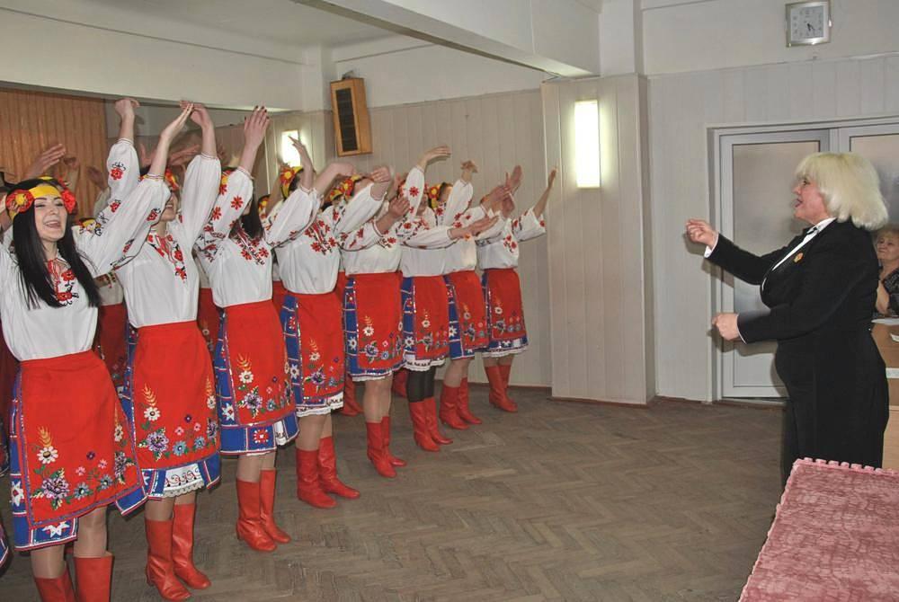 Виступ хорового колективу - керівник Коржавих Ірина Миколаївна