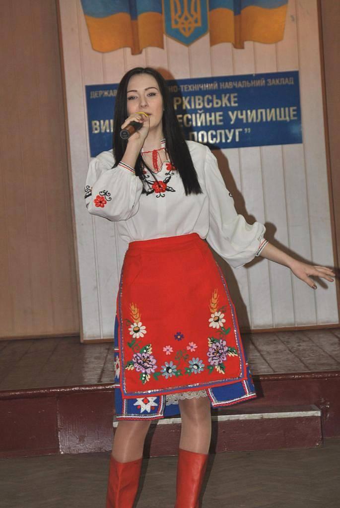 Куклева Анастасія виконує пісню «Хай живе надія»