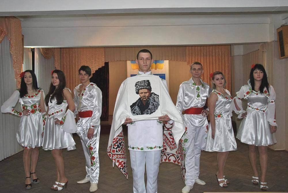 Театр мод «Шарм» - колекція одягу «Святкова»