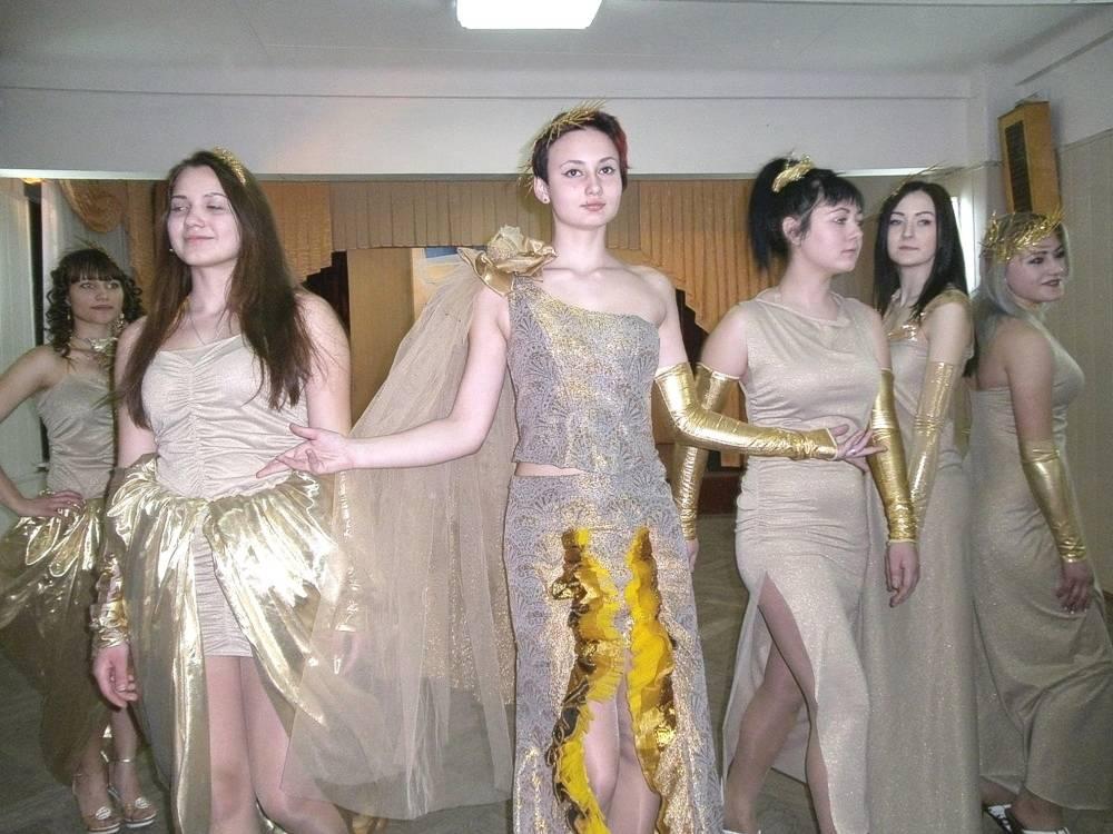 Театр мод «Шарм - Колекція «Золоті лани»»