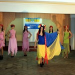 Театр мод з колекцією одягу «Україна молода»