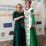 Голова журі Голда Виноградська з нашою моделлю