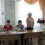 Випускників вітає Узких Ірина Миколаївна, голова комісії